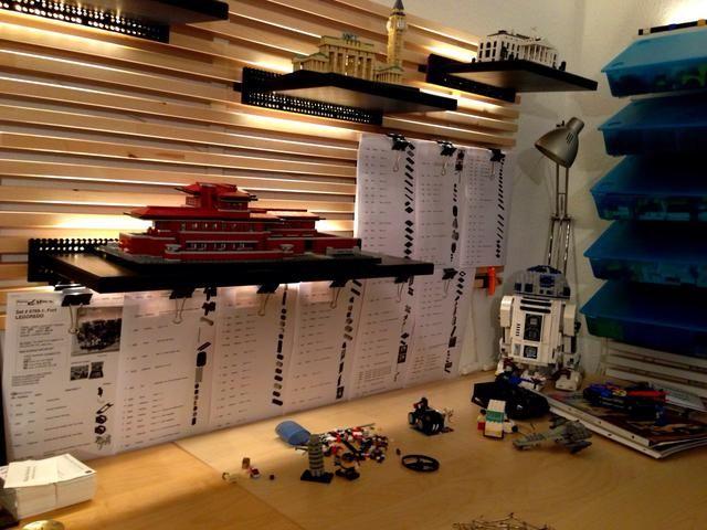 Lo usé para colgar listas de ladrillos que necesito para volver a crear modelos de LEGO viejos.