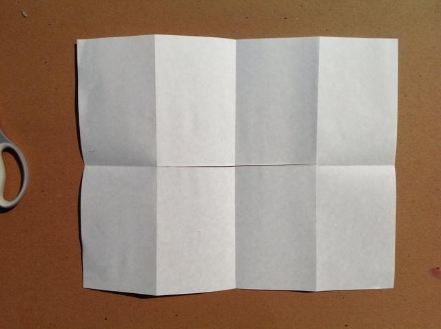 Desplegar. Cada vez que se despliegan asegurarse de que sus pliegues coinciden con la de la imagen.