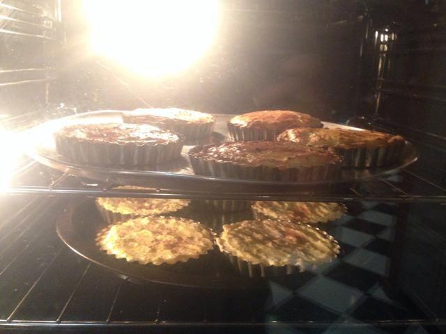 Coloque en el horno y cocine por 30 minutos a 200 grados