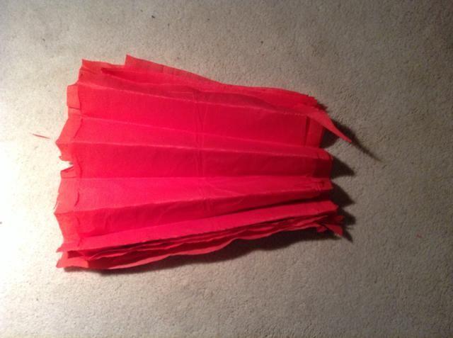 Esto es lo que el papel de seda debe ser similar después de doblarla.