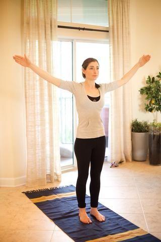 Grandes Círculos con los brazos: rotan los brazos hacia adelante en tan grande un círculo como sea posible durante 30 segundos. Invierta y rotar hacia atrás para 30 más. Estos ayudan a aflojar la espalda y los músculos del pecho y son ideales para los hombros!