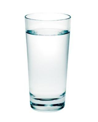 Piense Drink____________________ Intente beber 6-8 vasos de agua todos los días. Esto ayudará a mantener su piel húmeda y toxinas rasantes fuera de su cuerpo.