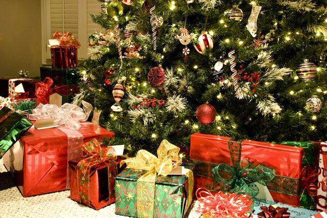 Cómo mantener un árbol de Navidad Fresco