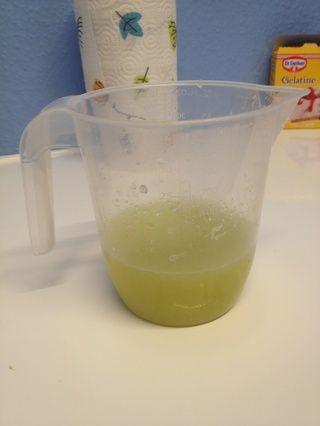 8 limas deben hacer por lo menos un cuarto de litro de jugo.