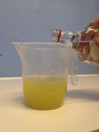 Añadir un cuarto de litro de tequila.
