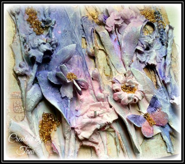 Las micas simplemente realzan la belleza de Lindy's sprays and provide a bit of iridescence.