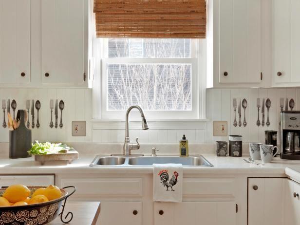 White Cottage fregadero de la cocina y de la ventana