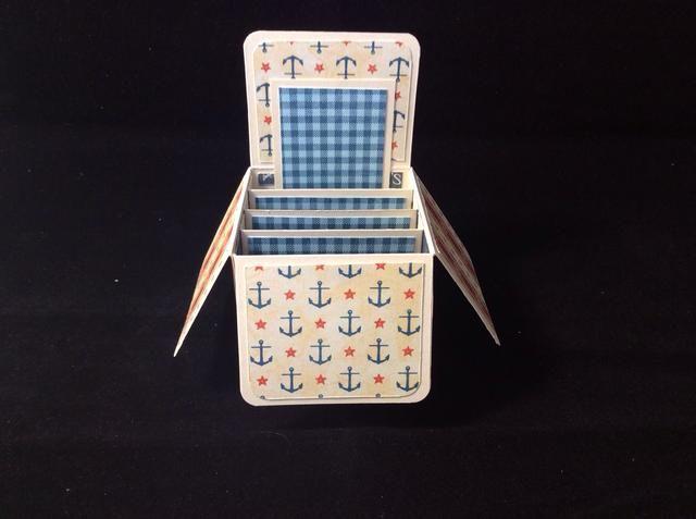 Adherirse esteras paso permeables a la parte posterior de la tarjeta para hacer volver colgajo sentarse derecho según lo representado.