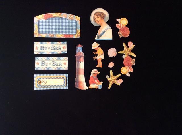 Cortar y preparar tus imágenes elegidas para adornar tu tarjeta base de los papeles estampados.