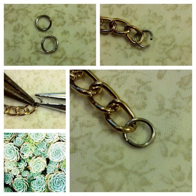 Tome sus dos anillos y conectar uno de ellos a cada cadena.