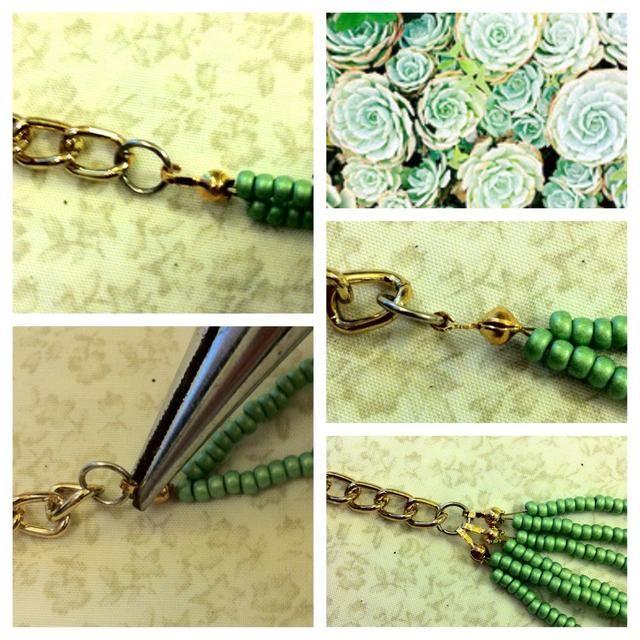 Enganche las perlas hebras de un anillo y cerrar con los alicates.