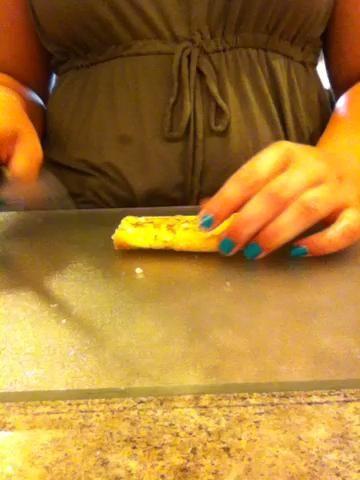 Cortar en rodajas tamagoyaki