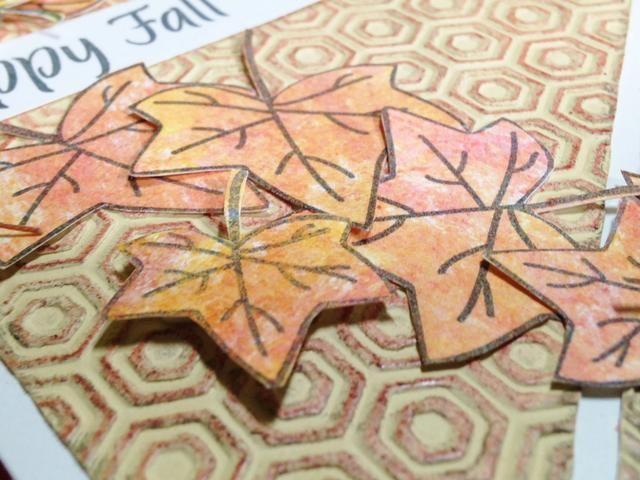 una vez que esté satisfecho con la colocación, comienzan a adherirse hojas, usando puntos 3D para adherirse ello para añadir dimensión ...