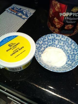 Usted podría utilizar la crema agria como salsa o puede utilizar la salsa. ¡¡DISFRUTAR!!
