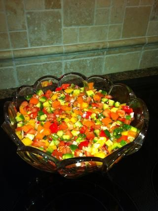 Sugerencia: dejar que el resto de ensalada antes de servir. Sabe aún mejor al día siguiente.