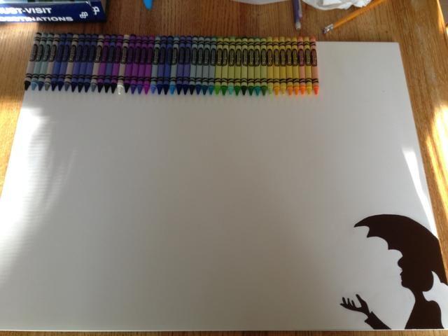 Lineup sus lápices de colores deseados, asegúrese de que usted los superglue y poner presión sobre los lápices de colores para que se sequen antes de empezar.