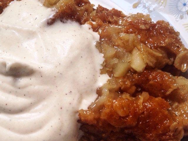 Cómo hacer un pastel de manzana crujiente / Receta crumble