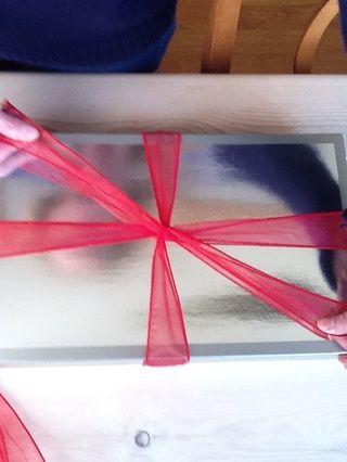 Ate la cinta extra para el paquete a su alrededor y dejar de lado con la media del limpiador de pipa