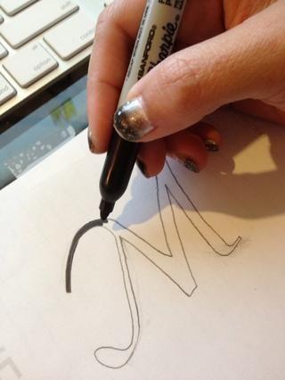 Retire el papel del monitor, y rellenar con un color sólido.