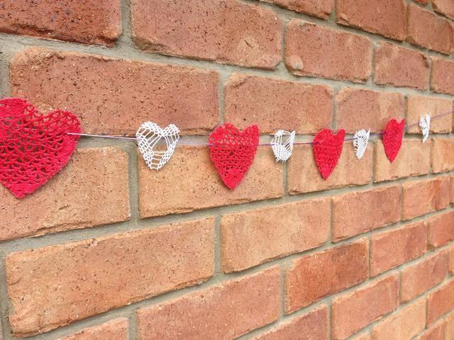 Amor corazones en una cuerda