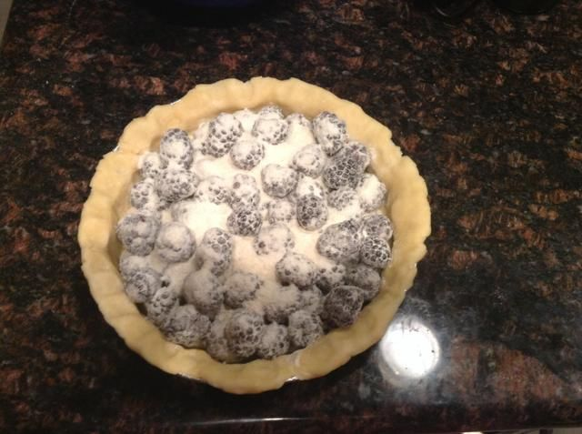 Vierta la mezcla en el molde de tarta sin hornear