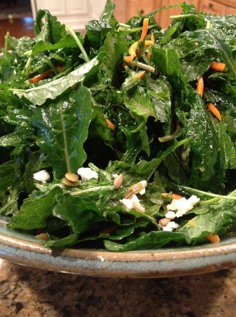 Cómo hacer una ensalada deliciosa receta fresca orgánica Kale