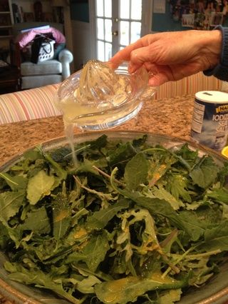 Verter sobre el Kale.