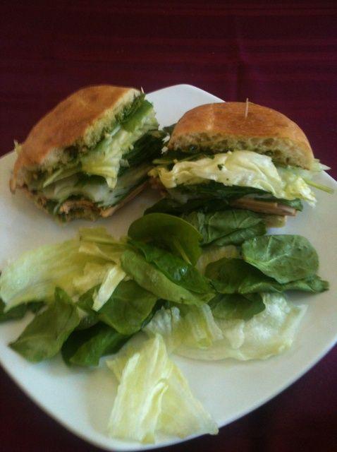 Cómo hacer un delicioso Turquía pesto sándwich! Receta