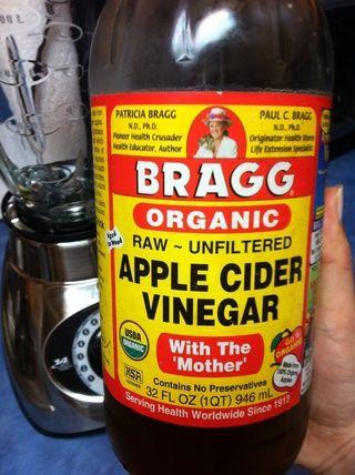 Coge tu vinagre de sidra de manzana.