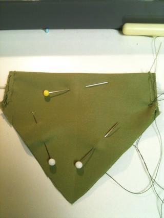 Pin para mantener en su lugar durante la costura.