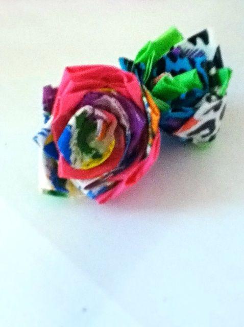 Cómo hacer una rosa de la cinta aislante (Sin un vástago)