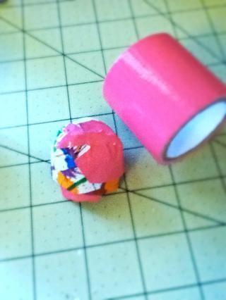 También puse un poco de cinta adhesiva sobre el mismo para que se vea un poco mejor.