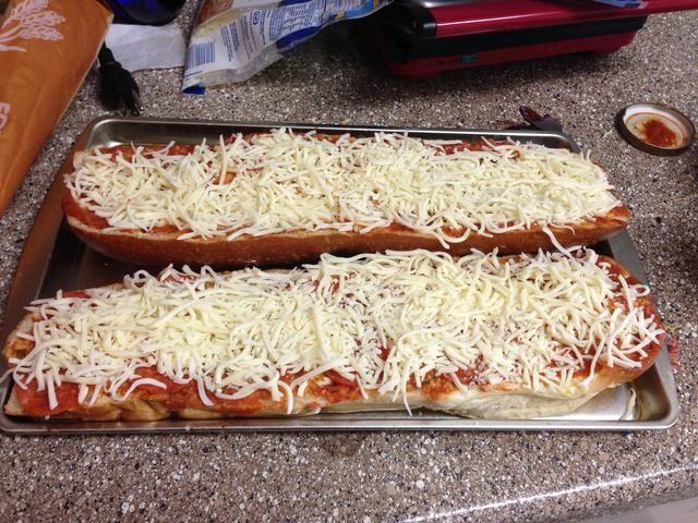 Queso mozzarella Spread Puede utilizar diferentes quesos de * Yo suelo usar alrededor de 3 tazas, pero puede utilizar cualquiera que sea su línea de la cintura le permitirá