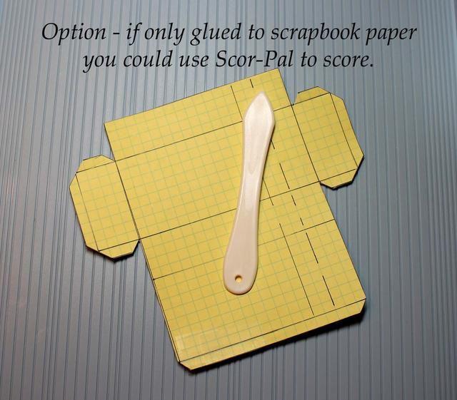 Si sólo pegarlo al libro de recuerdos del papel (sin espesor extra) usted podría utilizar su Scor-Pal para marcar las líneas de plegado.