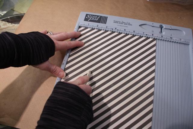 Dale la vuelta para retroceder lado y en la puntuación de lado largo de 2,5 pulgadas en ambos lados