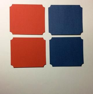 Cortar 4 tarjetas de rectángulos de acciones (2 azules y 2 rojas) que miden 3 1/2 x 3 pulgadas. Chomp Corner o redonda todos los rincones.