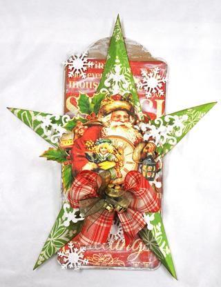 Corte un segundo dado escama de la nieve, cortar los puntos largos apagado y pegar una sobre cada estrella bajo los círculos. Agregue un poco de pequeños copos de nieve a la etiqueta. Agregue un poco de cinta y campanas para terminar su decoración de Navidad.
