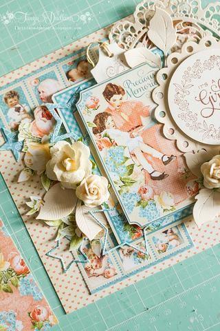 Toques finales con estrelladas Troquelados y pequeña etiqueta en la parte superior de la tarjeta.