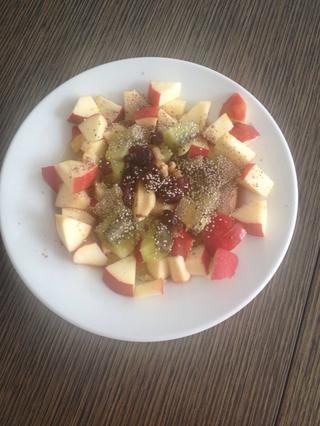 Inicio su sémola con canela, extracto de vainilla (opcional), las frutas, las nueces (u otros frutos secos), los arándanos y las semillas de chía (opcional). ¡DISFRUTAR! ✌️ ????????????