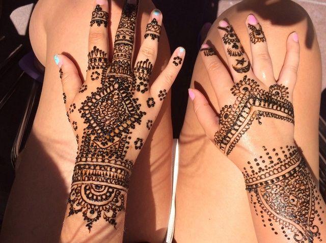 Cómo hacer un tatuaje de Henna