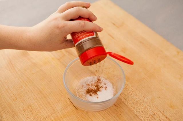 Añadir 1 cucharadita de canela molida.