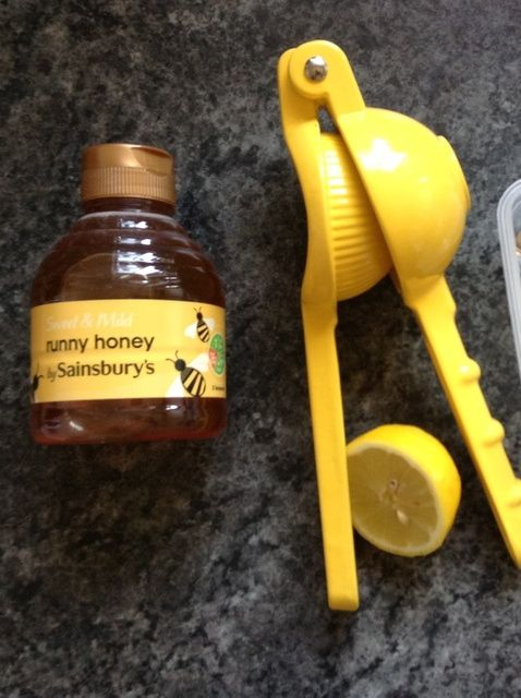 Cómo hacer un miel-limón Mascarilla para piel hermosa