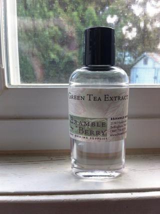 Y adoro o / s extracto de té verde! Se comporta como un anti-oxidante en el bálsamo para retardar el enranciamiento y como un anti-oxidante en nuestra piel. (Asegúrese de que su extracto es soluble en aceite!)