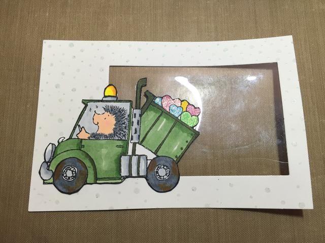 Adherirse su camión en la cartulina blanca
