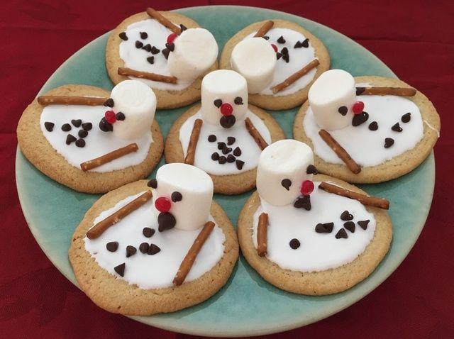 Cómo hacer un muñeco de nieve de fusión de la receta de la galleta