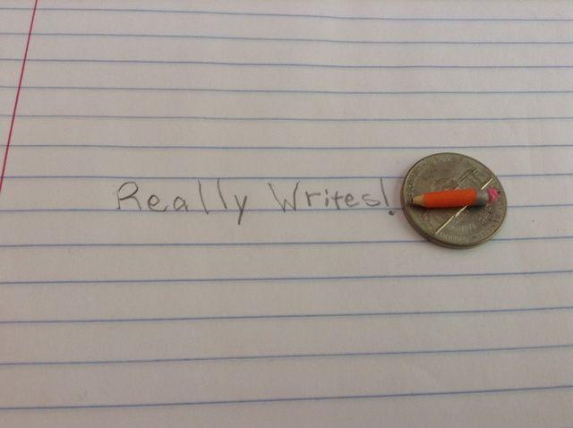 Cómo hacer un mini lápiz que escribe!