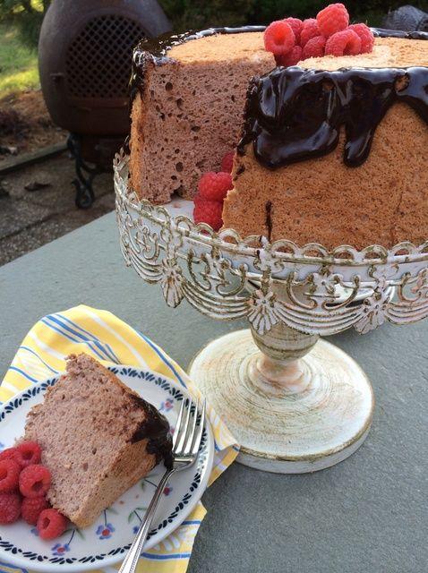 Cómo hacer una Receta Mocha Angel Food Cake