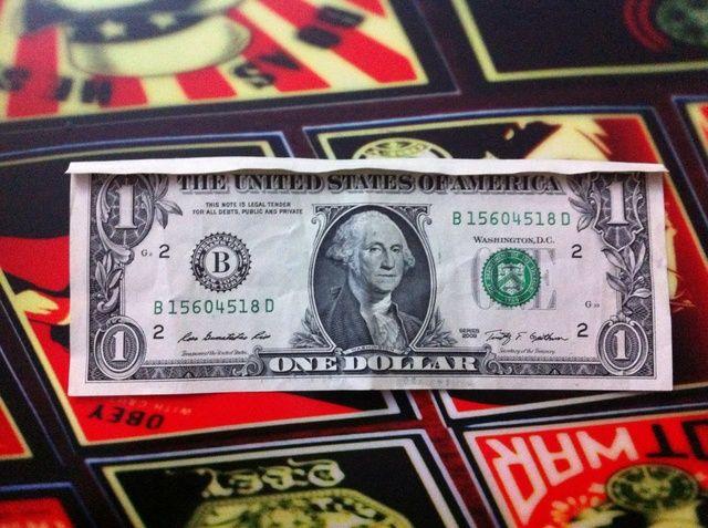 Esto es lo que debe ser desde la parte frontal del dólar ..