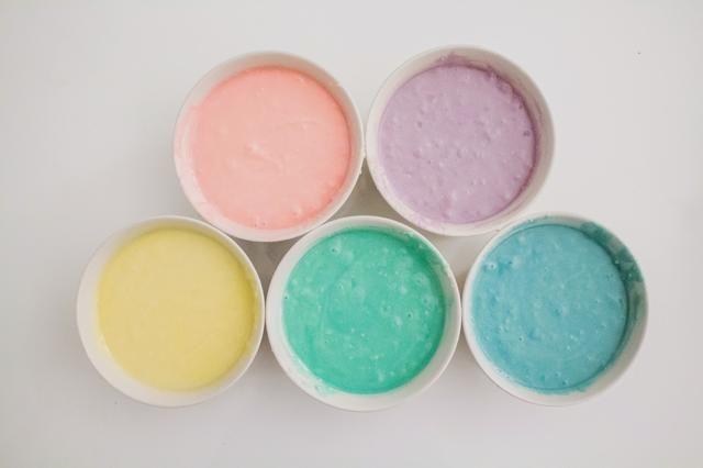 Usted debe tener colores distintos para su masa del pastel!