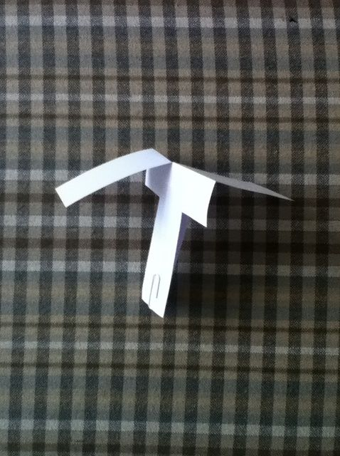 Cómo hacer un helicóptero de hilado de papel